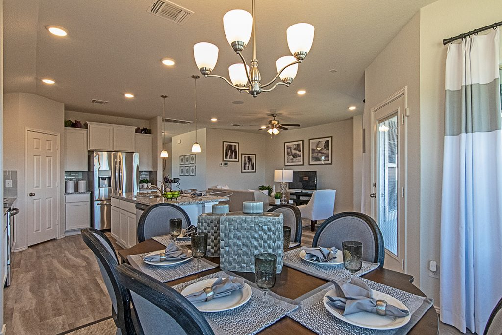 Entertainment Friendly Dining Room Creekside Hills