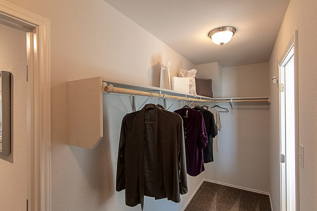 Huge Walk-In Closet Creekside Hills